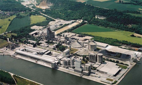 An overview of the CBR cement plant at Lixhe. The current configuration uses a 1974 Polysius kiln with preheater and calciner, which was extensively upgraded in 2001.